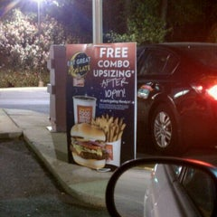 Photo taken at Wendy's by Shannon B. on 4/13/2012