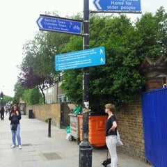 Photo taken at Gospel Oak London Overground Station by Frederic B. on 6/17/2012