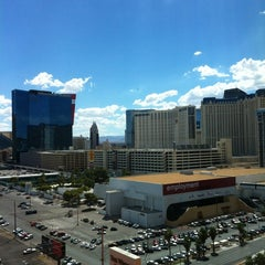 Photo taken at The Westin Las Vegas Hotel, Casino & Spa by Atthapong S. on 8/26/2012