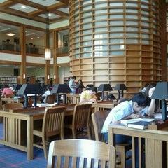 Photo taken at Biblioteca by Christian L. on 10/20/2011