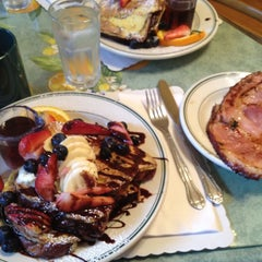 Photo taken at Mama's on Washington Square by Kung H. on 3/1/2012