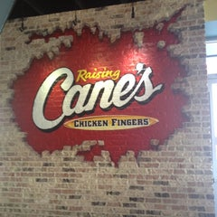 Photo taken at Raising Cane's Chicken Fingers by Juno S. on 8/16/2012