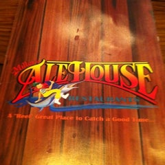 Photo taken at Miller's Fort Lauderdale Ale House Restaurant by LIL d on 8/5/2012