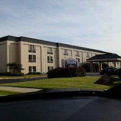Photo taken at Hampton Elgin by Jos V. on 5/23/2012
