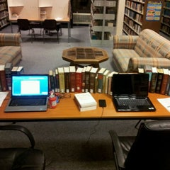 Photo taken at Tyndale Theological Seminary by Dimitrije K. on 11/25/2011