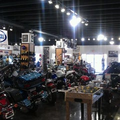 Photo taken at Cruisin' 66 Cycles by Nicole H. on 9/22/2011