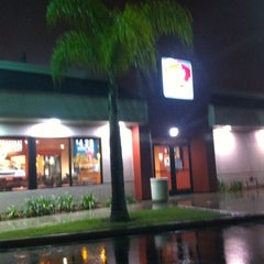 Photo taken at Jack in the Box by Theron X. on 1/21/2012