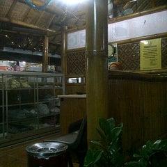 Photo taken at Rumah Makan Carita by Dannis S. on 1/28/2012