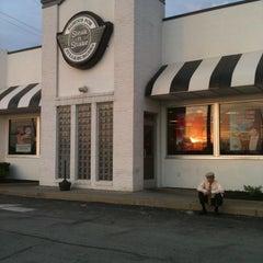 Photo taken at Steak 'n Shake by M. Elizabeth H. on 5/14/2011