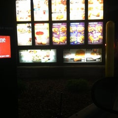Photo taken at Taco Bell by Nakeia on 8/12/2012