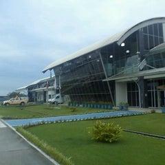 Photo taken at Aeroporto de Joinville / Lauro Carneiro de Loyola (JOI) by Anderson V. on 6/2/2012