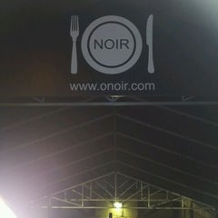 Photo taken at O. Noir by Lowell S. on 2/1/2012