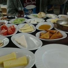 Photo taken at Meşhur Tavacı Recep Usta by Elif Y. on 5/25/2012