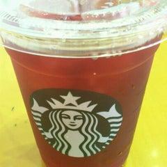 Photo taken at Starbucks Coffee JR東京駅日本橋口店 by Mayumi S. on 9/15/2011