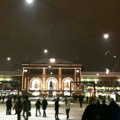 Photo taken at Hannover Hauptbahnhof by Patrick H. on 2/6/2011