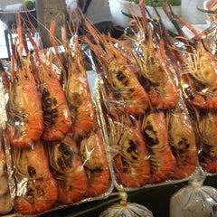 Photo taken at ตลาด อ.ต.ก. (Or Tor Kor Market) by Suriya W. on 6/17/2012