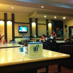 Photo taken at Raja Oci Restaurant by 'THAZYA' Anastasia Rizki on 11/3/2011