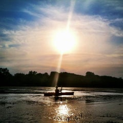 Photo taken at Stony Creek Kayak/Canoe Rental by Robin C. on 9/1/2012