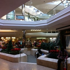 A decent mall which has a number of good stores and which is why this is my go to mall. This mall has high brand to low brand stores plus Starbucks and restaurants 8/10(94).