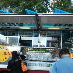Photo taken at India Jones Chow Truck by Erik C. on 12/27/2011