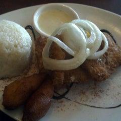 Photo taken at Moros Cuban Restaurant by Jitesh B. on 4/20/2012