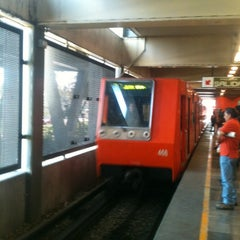 Photo taken at Metro Universidad (Línea 3) by Luis Alberto G. on 1/9/2012