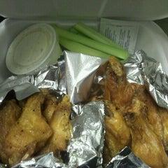 Photo taken at Kickin' Chicken West Ashley by Trissa B. on 8/1/2012