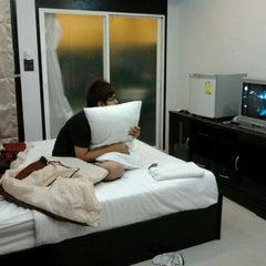 Photo taken at โรมแรมวราวรรณรีสอร์ท by Brownie B. on 11/19/2011