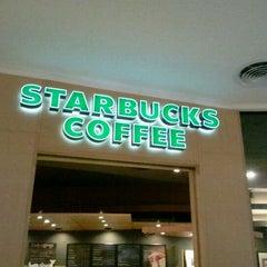 Photo taken at Starbucks (สตาร์บัคส์) by Pete S. on 9/3/2011