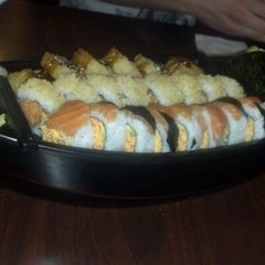 Photo taken at Sushi Ten by Axel A. on 8/2/2012
