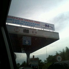 Photo taken at Gerbang Tol Cambaya by Ichwan N. on 5/3/2012