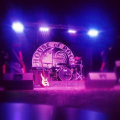 Photo taken at House of Rock by Clarissa P. on 7/16/2012