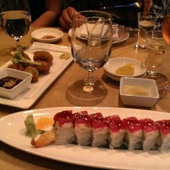 Photo taken at Yoshi's Jazz Club & Japanese Restaurant by ALVIE G. on 9/8/2012