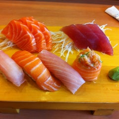 Photo taken at Sushi Yassu by Peter K. on 3/31/2012