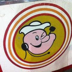 Photo taken at Popeye Lanches by Thiago A. on 12/23/2011
