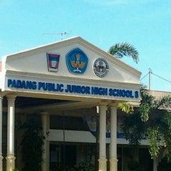 Photo taken at SMP 8 Padang by Luthfi N. on 12/31/2011