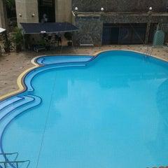 Photo taken at Kosit Hill Hotel (โรงแรมโฆษิตฮิลล์) by Ohomumu n. on 6/20/2012