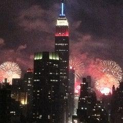 Das Foto wurde bei Macy's 4th of July Fireworks von Maggie B. am 7/5/2011 aufgenommen