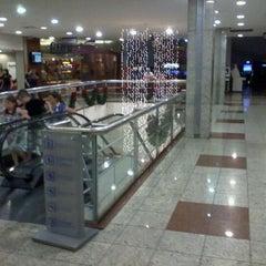 Photo taken at Shopping Jardim das Américas by Eduardo T. on 12/21/2011