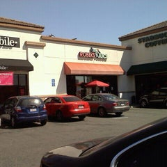 Photo taken at Robeks Fresh Juices & Smoothies by LB Chica on 3/9/2012