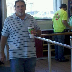 Photo taken at Taco Bell by Karen Jean G. on 12/19/2011