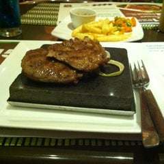 Photo taken at Bobby's Steak & d'grill Stone by AtiQa D. on 7/18/2012
