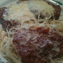 Photo taken at Olive Garden by Heather S. on 4/15/2012