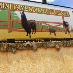 Photo taken at Fazendinha Tia Linda by Clau T. on 10/12/2011
