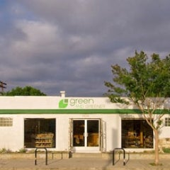 Photo taken at Green and Greener by Alegre R. on 1/1/2011