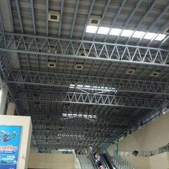 Photo taken at 杭州汽车客运中心 Hangzhou Passenger Transport Center by Sven T. on 6/19/2012