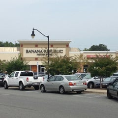 Photo taken at Queenstown Premium Outlets by Densil on 9/1/2012