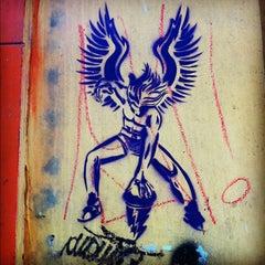 Photo taken at Rua Sete de Abril by Fabio Mergulhão on 4/1/2012