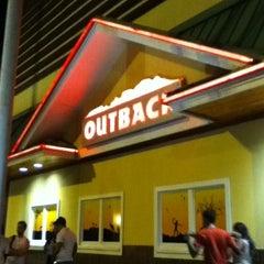 Photo taken at Outback Steakhouse by Bernardo L. on 2/18/2011