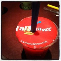 Photo taken at Fat Straws Bubble Tea & Juice by Hanwey W. on 5/31/2012